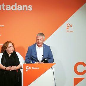 """Castel (Cs) a Madrenas: """"No desviï l'atenció i digui si pagarà o no pagarà els desplaçaments fets amb el cotxe municipal per a tasques de diputada"""""""