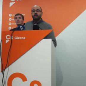 """Atalaya (Cs): """"L'alcalde de Blanes ja no té excusa per a retirar definitivament la pancarta separatista de la façana consistorial"""""""