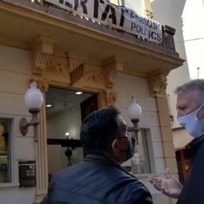 Ciutadans (Cs) reclama a la Junta Electoral que  faci retirar la simbologia partidista de la façana dels ajuntaments de Sarrià de Ter, Blanes, Palamós, Figueres i Castelló d'Empúries